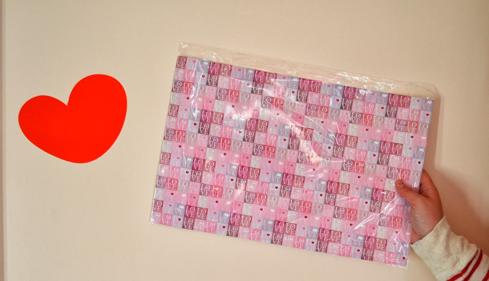 Valentine's Day Place Mat Outside the Box Papers