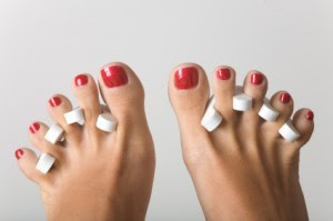 Nail Art Christmas 2011: How To Decorate Your Toenails?
