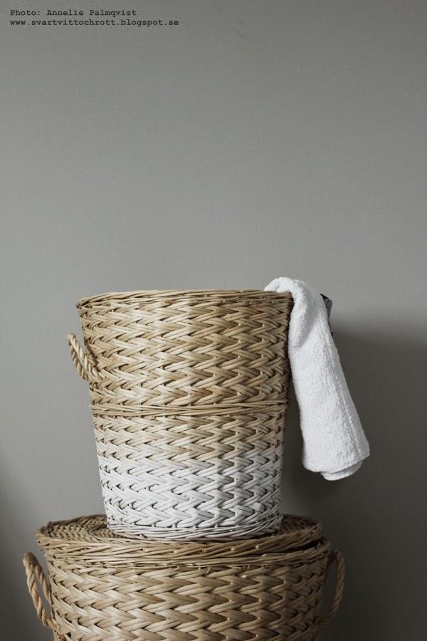 tvättkorg, tvättkorgar, vitt, vita, natur, naturfärgad, naturfärgade, dip and dye, diy, för tvättstugan, tvätt,