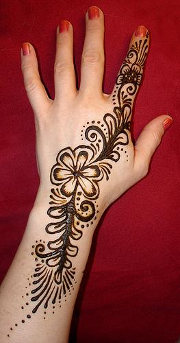 girl tattoo designs dragon mehndi designs 2011. Black Bedroom Furniture Sets. Home Design Ideas