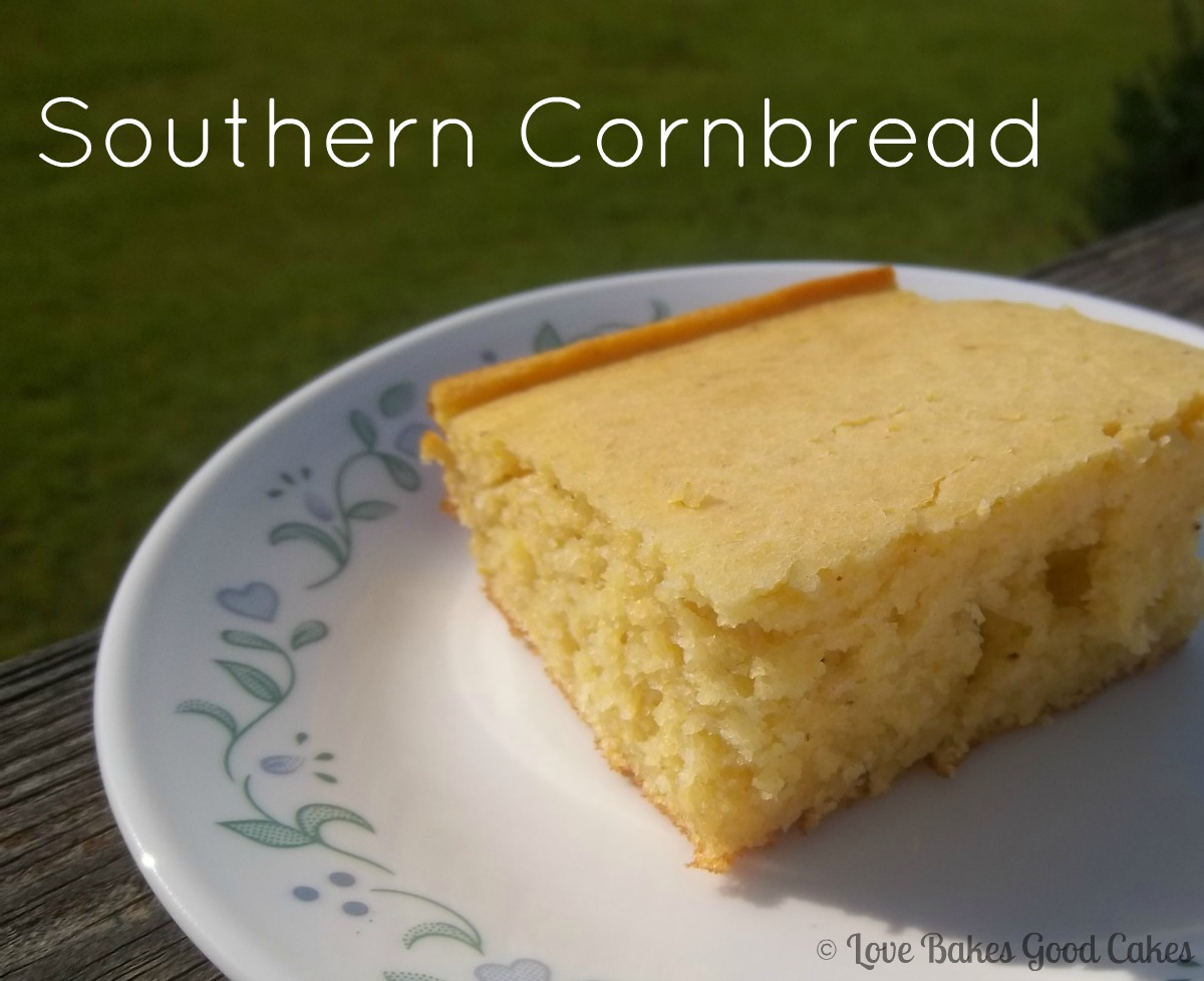 Southern Cornbread | Love Bakes Good Cakes
