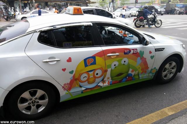 Taxi coreano temático de Pororo el pingüino