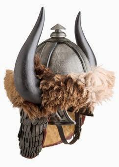 10 cascos y yelmos míticos del cine de acción y fantasia: Conan