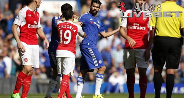 Liputan Bola - Arsenal tidak terima begitu saja keputusan wasit Mike Dean memberi kartu merah kepada Gabriel Paulista pada laga derby London
