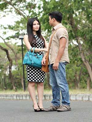 Váy Hồng Tầng 24 (2013)