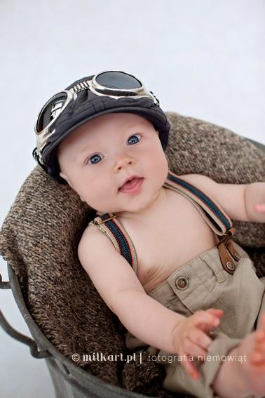 fotografia niemowlęca, sesja fotograficzna niemowlaka, sesje na roczek, fotograf dzieci Poznań, studio milkart