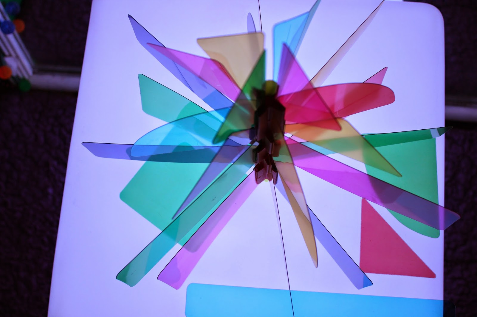 Roylco light cube