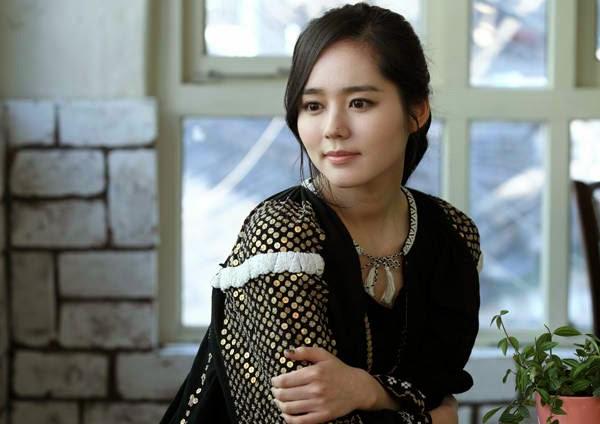 Han Ga-in photo 008