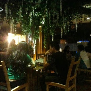 Suasana Seven Degrees cafe