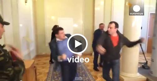 Μπουνιές Στο Κοινοβούλιο Της Ουκρανίας (βίντεο)
