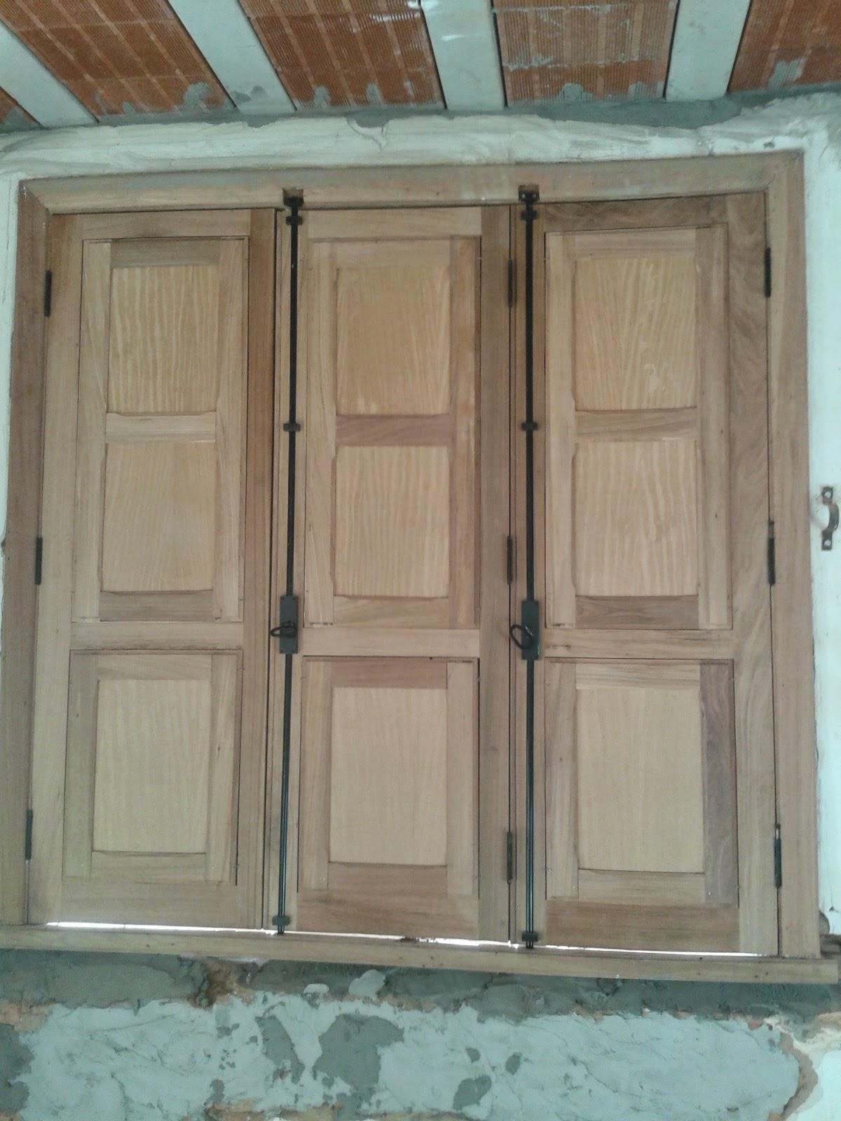 #644C39 em portas e janelas de madeira em BeloHorizonte: troca de cabo de  1438 Restauração De Janela De Aluminio