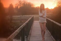 Puedo estar a tu lado como si no estuviera, y encontrarte cien veces.