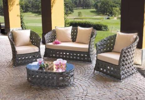 Arredamento country poltrone da giardino country for Divani da terrazzo
