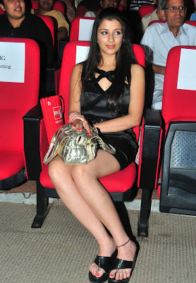 Madhurima in Hot Black at Telugu Film Awards