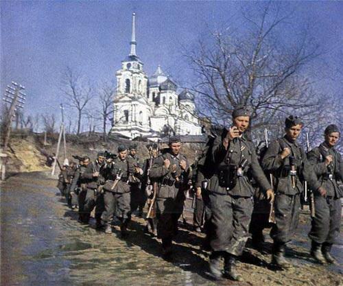 [Gambar] Warna Kelam Peperangan Dunia Kedua
