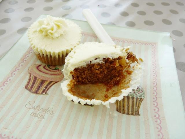 cupcake zanahoria con frosting de queso y chocolate blanco, receta - 02
