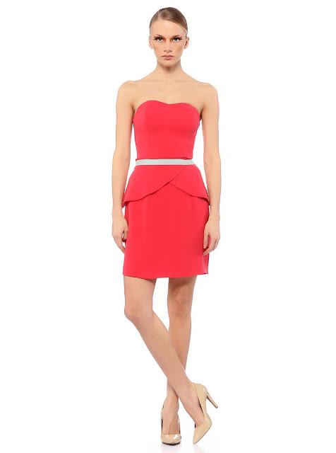 straplez pembe kısa elbise modeli