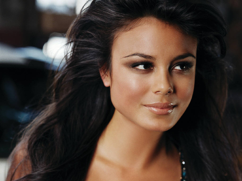 Nathalie Kelley | Sexy Celebrity Pics