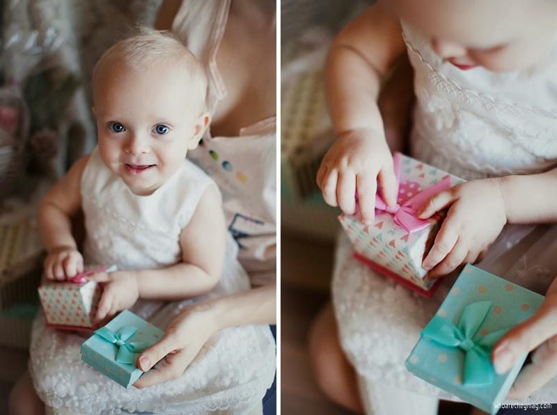 Ребенок с подарками