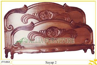 Tempat tidur ukiran kayu jati Sayap model 2