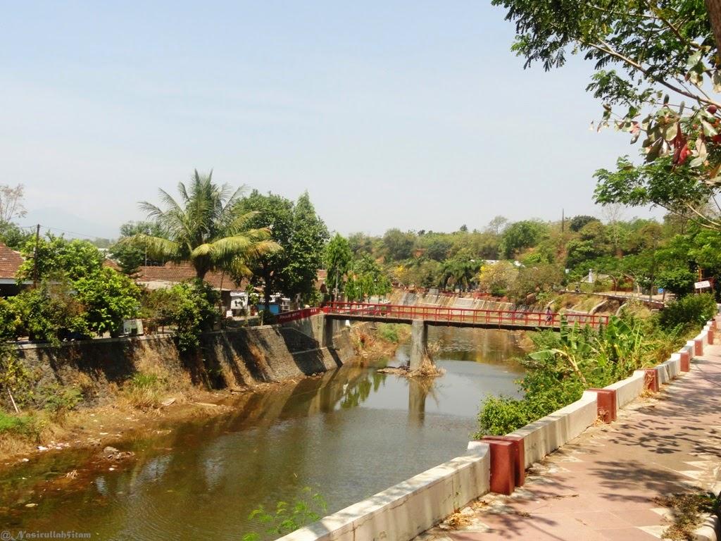 Jembatan Merah di sungai Kanal, Jepara