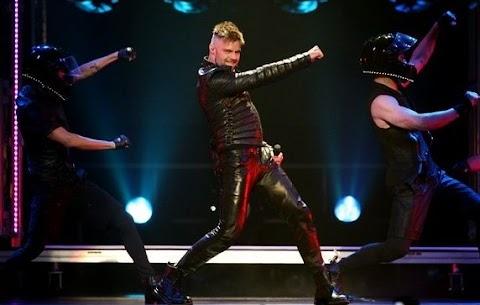 ricky martin parte con il suo tour: una vera sgualdrina pop