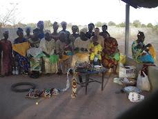 Animation d'un atelier de broderie au Mali 2009