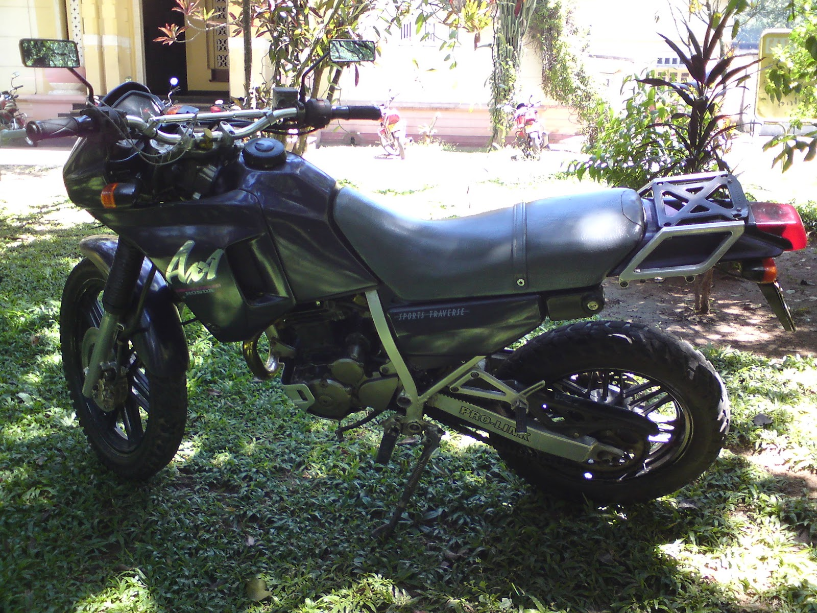 Ikman lk bikes for sale - Sale For Money Argent Bike In Excellent Condition Best Fuel Economy 35 40km L Call 0718451037 Sampath