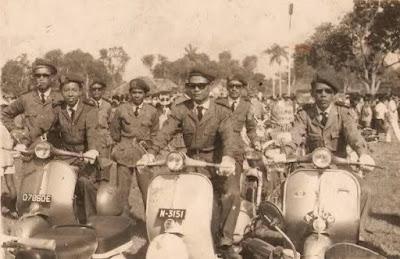 Tentara indonesia dengan vespa kongo