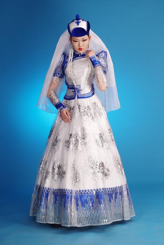 Local style: Mongolian wedding dresses