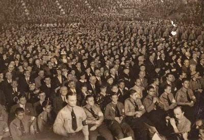 Difunden fotos nunca vistas del enorme festejo nazi en el Luna Park 0520_lunapark_fiestanazi_elmundo_g2.jpg_1853027551