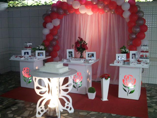 decoração com mesa provençal - Rosas
