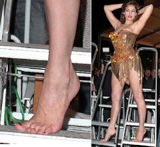 foto di gay nudi escort piedi