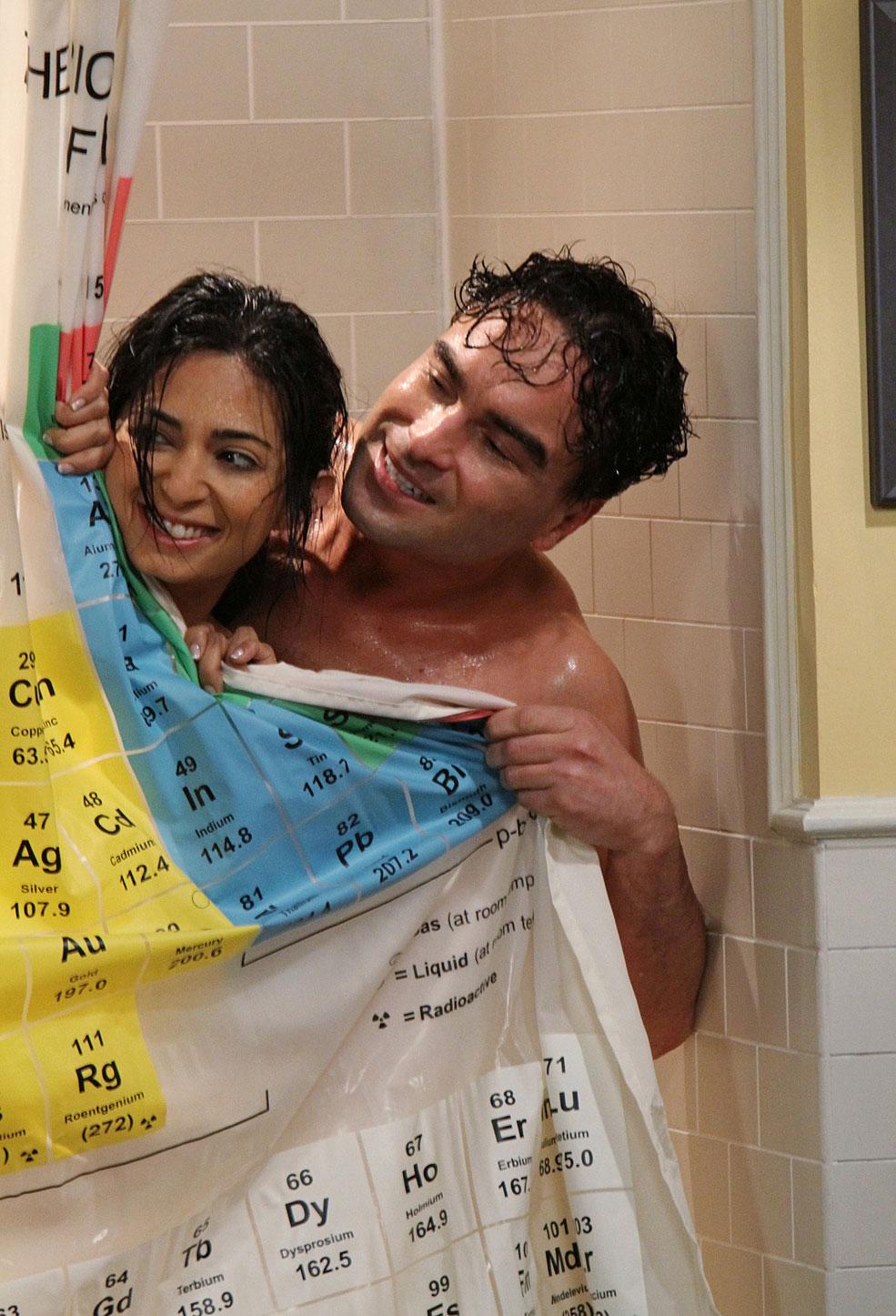 Priya Big Bang Theory Aarti Mann Sheldon corre pra penny de um