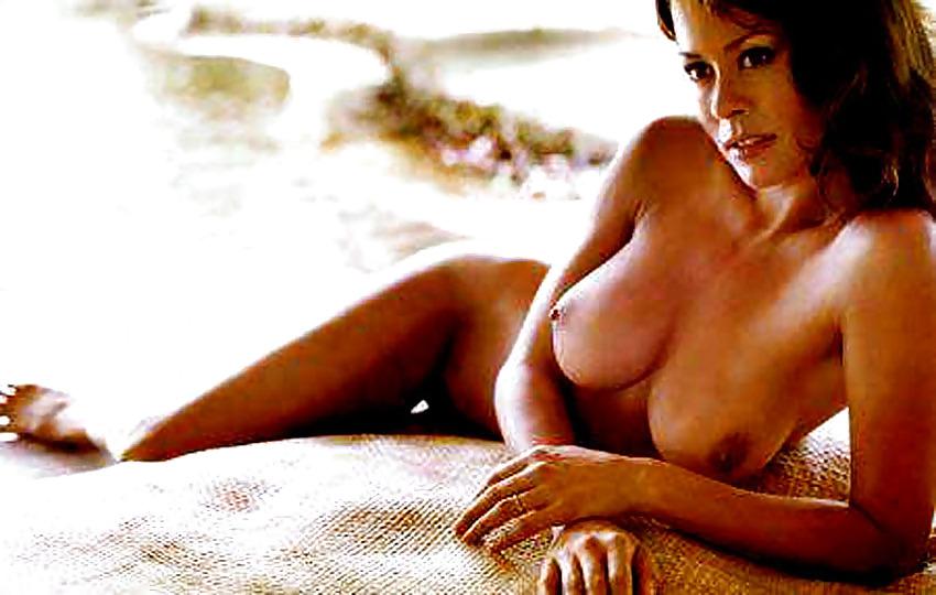 naked latinas smoking cigarettes