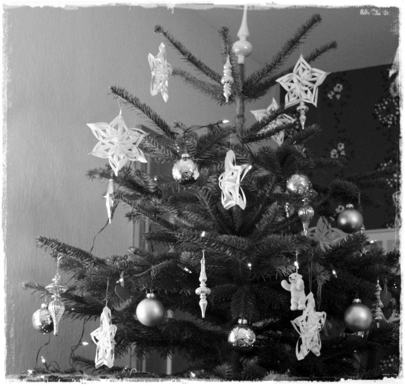 elbegl ck schnelles diy f r den weihnachtsbaum gef llig. Black Bedroom Furniture Sets. Home Design Ideas