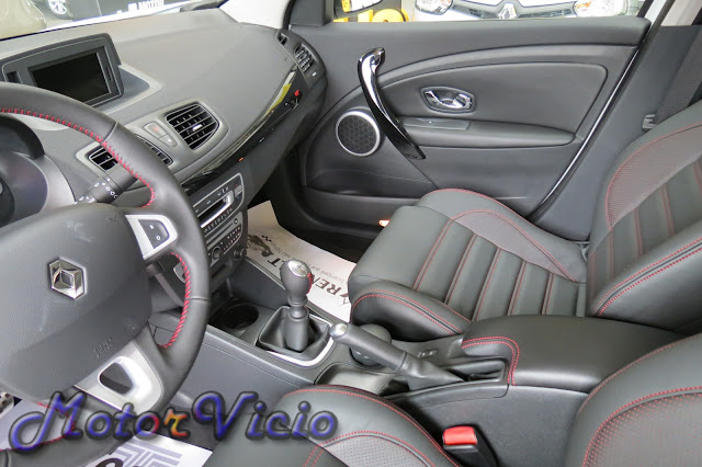Renault Fluence GT Turbo interior