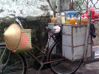 Ada Pedagang Miras Keliling Di Bantul [ www.BlogApaAja.com ]