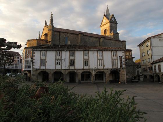 imagen_espinosa_iglesia_arcos_arquitectura_popular_monteros_burgos