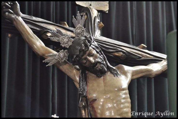 Hermandad de la Vera-Cruz en su Capilla del Dulce Nombre de Jesús preparados para realizar su estación de Penitencia 2014 Semana Santa de Sevilla