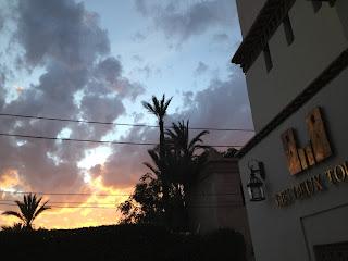 Coucher de soleil sur l'hôtel Les Deux Tours à Marrakech