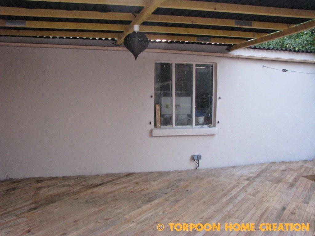 poncer poutre poutre gris clair avec chambre enfant peindre des poutres realiser la peinture. Black Bedroom Furniture Sets. Home Design Ideas