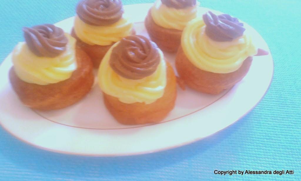 zeppole con crema psticcera e crema pasticcera al cioccolato