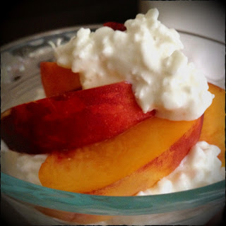Peach segments and cottage cheese