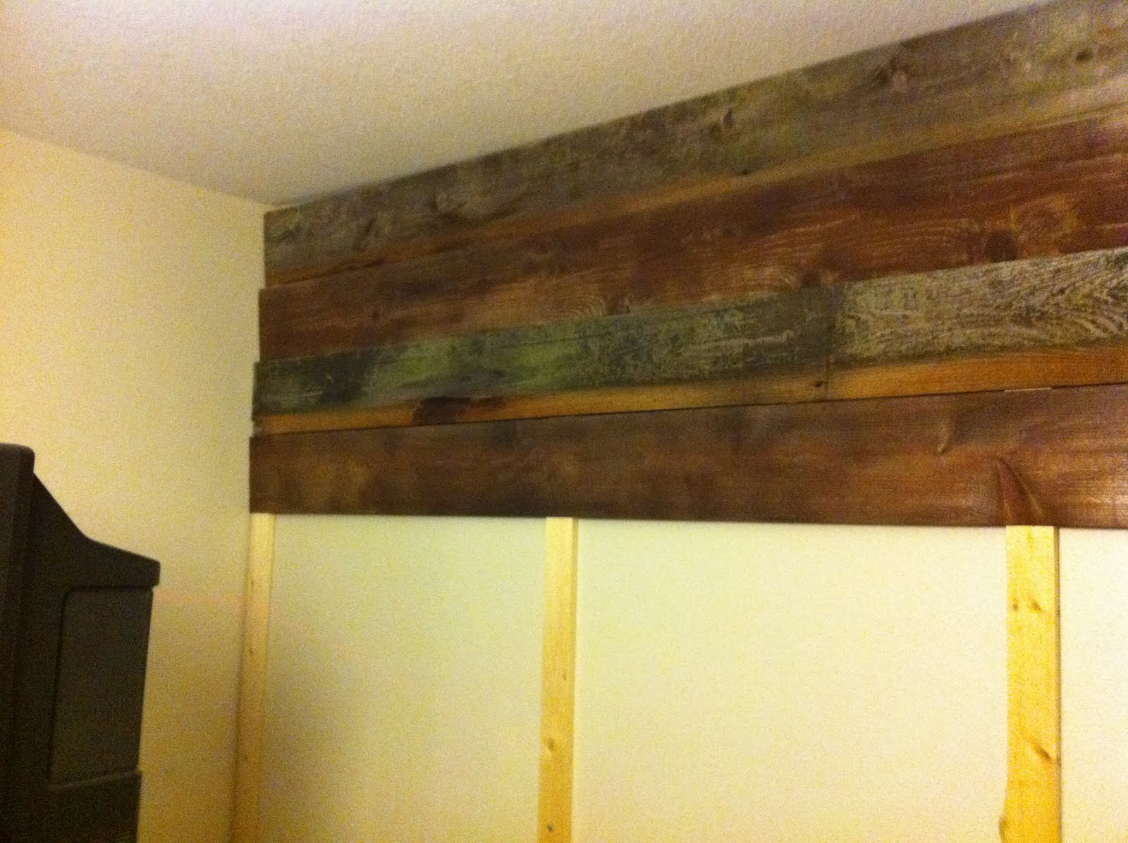 Decorella: Reclaimed Wood Accent Wall Project