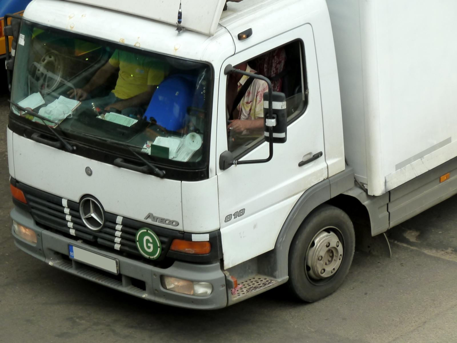 Truck spotting mercedes benz atego 818 for Mercedes benz atego