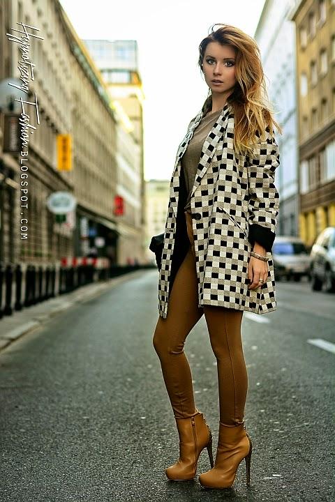 camelowe spodnie