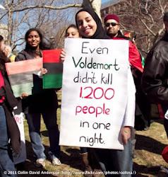 Manifestante do protesto na Líbia usa 'Harry Potter' para ganhar mais força | Ordem da Fêix Brasileira