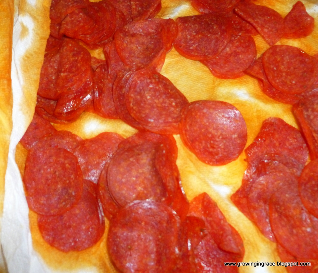how to make pizza out of crescent rolls
