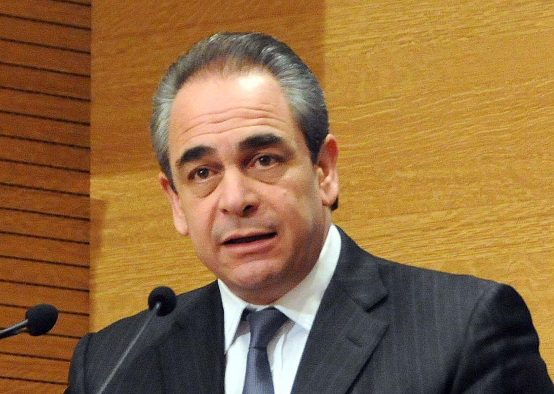ΣΟΚ: Αξύριστος ο Κωνσταντίνος Μίχαλος τώρα στην ΕΡΤ!